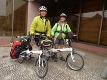 自転車で旅するお二人