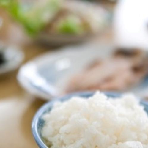 【ご飯】朝ごはんは一日の活力の源。普段朝を摂らない方も、是非お召し上がりください。
