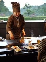 鉄板焼レストランの焼き手(シェフ)