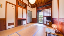 *和室6畳:落ち着く和室でお寛ぎください。