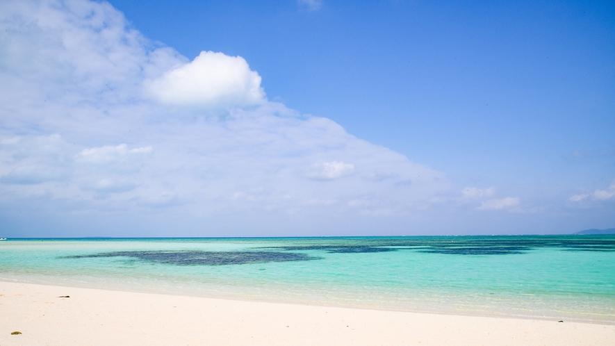 *コンドイビーチ:シャワー・トイレ有。屋根付きの休憩所もあります。