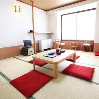 【禁煙】本館和室1〜3名(10畳・バストイレ付)