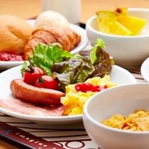 【朝食 盛りつけ一例】