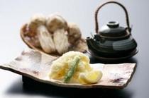 穴子天ぷら・松茸土瓶蒸し