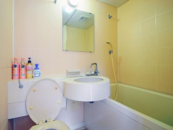 【和洋室メゾネットタイプ2F】浴室・トイレ・洗面台
