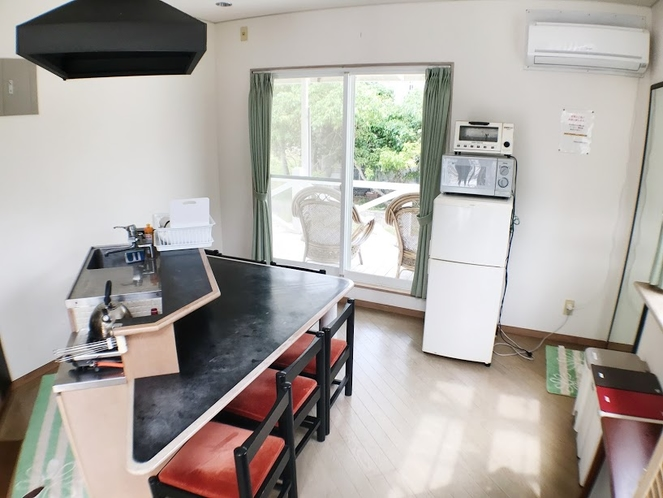 <客室>メゾネットタイプ 1階 キッチン ペット可