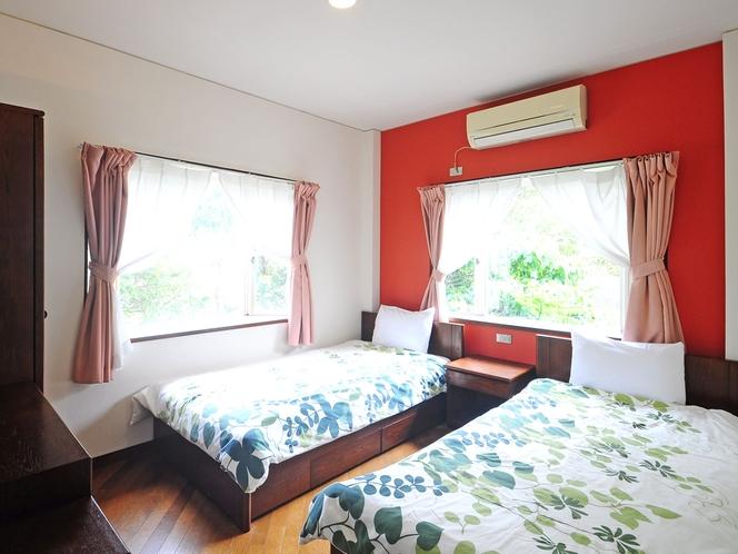 【洋室ツイン2F(ペット不可)】明るい雰囲気のシンプルなお部屋です。1名様~ご利用いただけます。