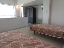 寝室2 シングル2台