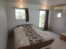 寝室1 ダブルベッド