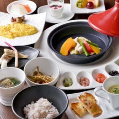 【ご朝食一例】〜「虎杖浜たらこ」をはじめ、 北海道ならではの新鮮な食材をご用意いたします〜