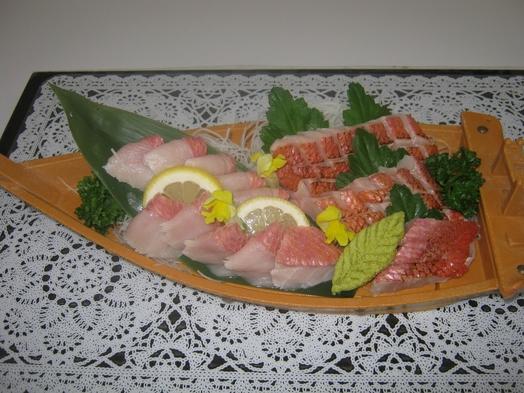 【伊豆の贅沢料理】金目鯛の刺身付き1泊2食飲み放題付バイキングプラン