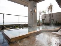 大浴場:檜露天風呂