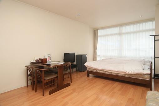 【別館・ツインベッドの洋室】(本館から30m) 25平米