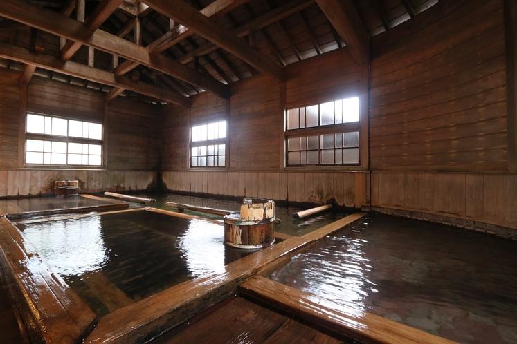 女性専用大浴場 万葉の湯も木造の女湯としては国内最大です。