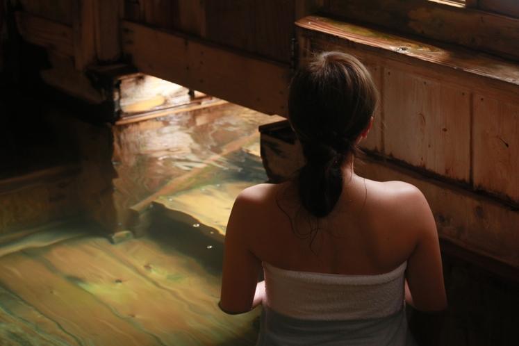 大浴場内から露天風呂へとつながっています。