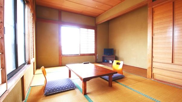 和室10畳(1〜4名様)/バス・トイレ共同