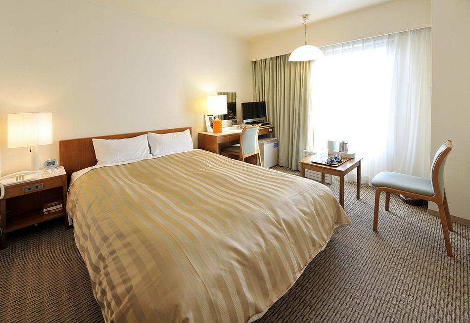 客室 ダブルルーム(一例) ベッド幅140cm