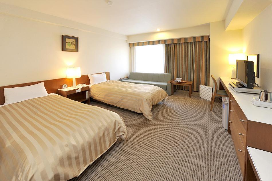 客室 ツインルーム(一例) 18m2〜23m2 ベッド幅100cm