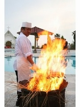 タタキは全てお客様が来られてから藁焼きをしています