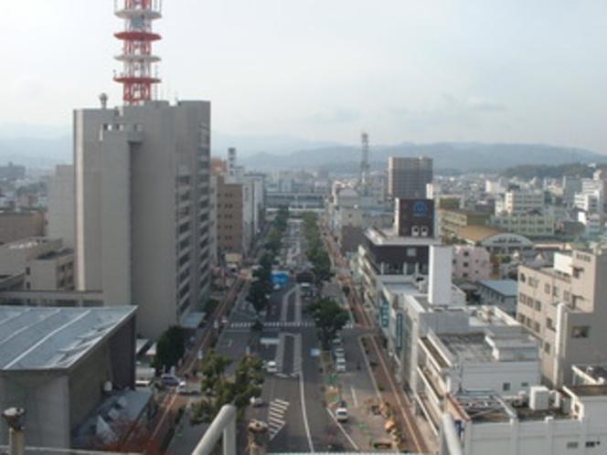 ホテルからの景色(今治駅を望む)
