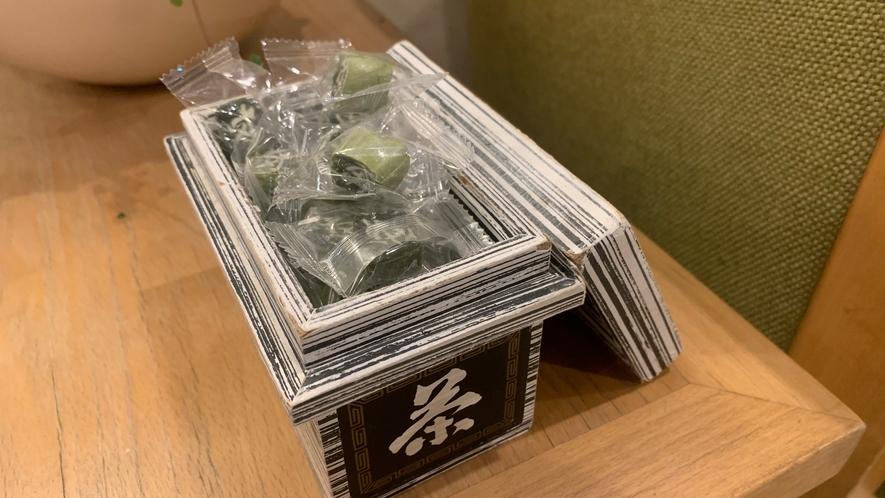 ロビーには静岡銘菓『茶飴』もございます♪ お土産用に販売もございます♪