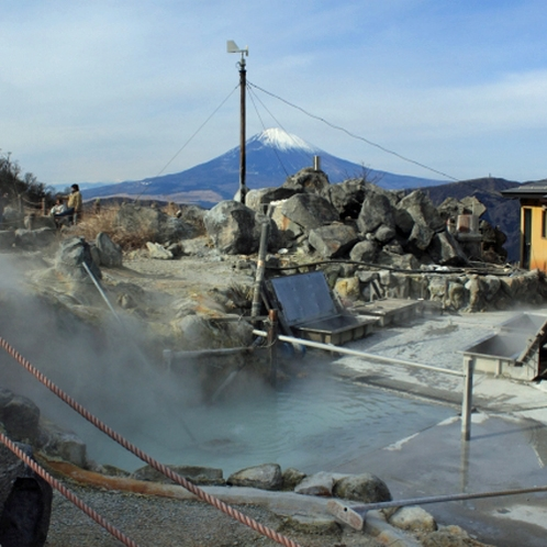 ~大涌谷~白煙の立ち込める箱根の代表的な人気観光スポットです。