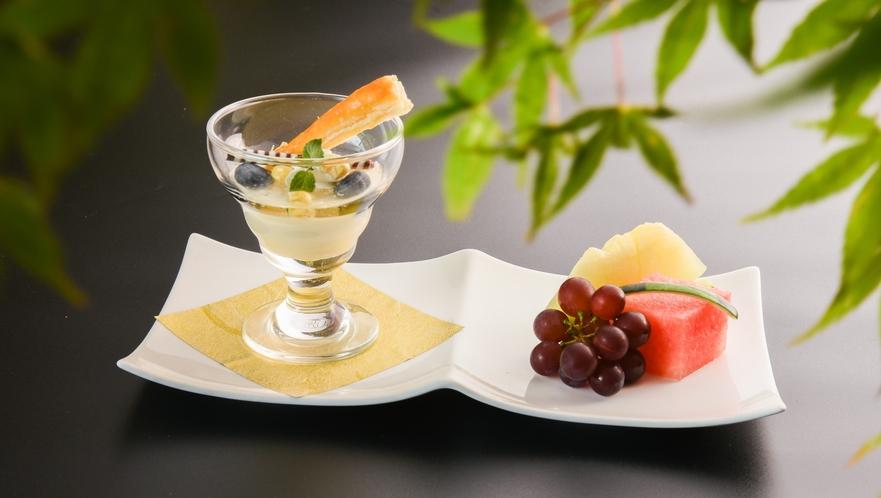 水菓子_玉蜀黍プリン 季節のフルーツ添え