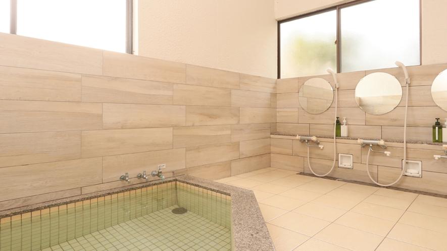◆内風呂〇2019年リニューアル!ぽかぽか温泉が自慢の宿です