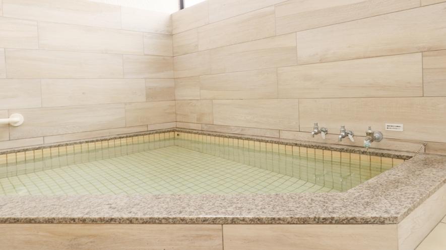 ◆ゆったり内風呂も人気です!天然温泉のお風呂は24時間入浴可能!
