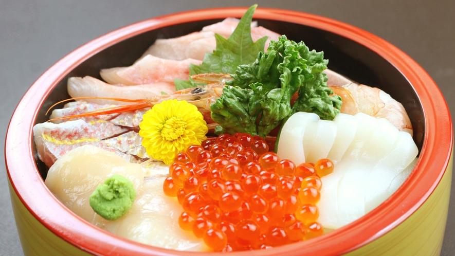◆彩り鮮やかな海鮮丼!伊豆の魚介をご堪能頂けます♪