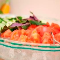 【朝食】うちなー産の新鮮野菜をたっぷり取って。