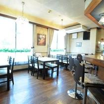 ◆ホテル2階。喫茶店では本格的なコーヒーはもちろんモーニングもお召し上がりになれます。