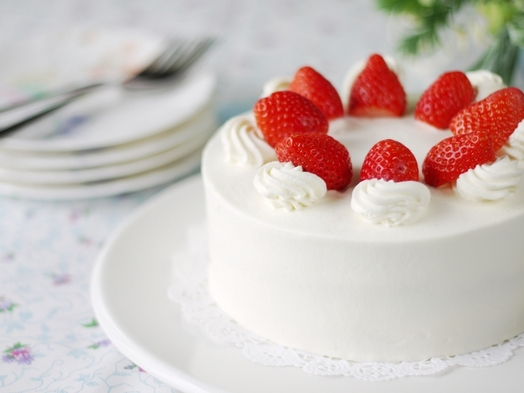【Anniversaryプラン☆+】〜ケーキでお祝い特別な記念日を〜 夕食は季節の京会席をご用意。