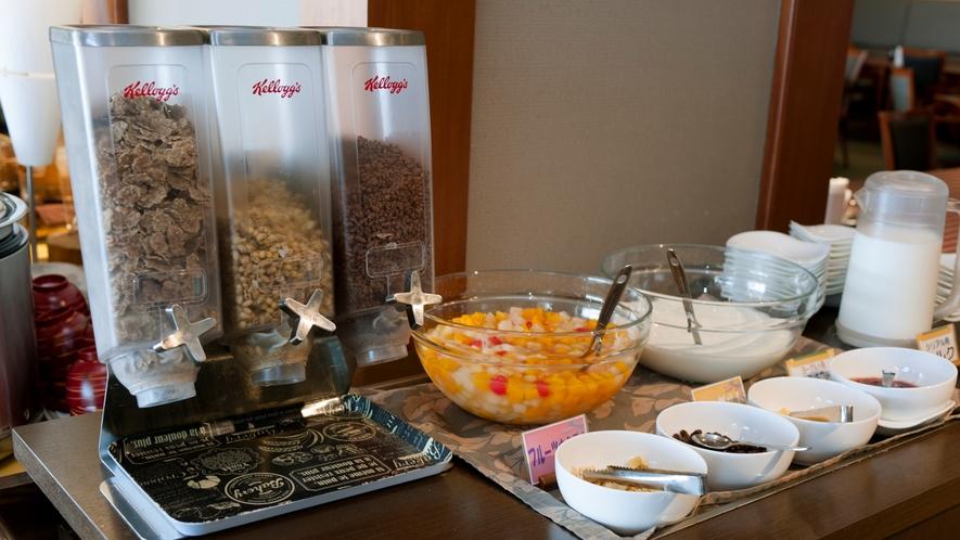 朝食シリアルコーナー