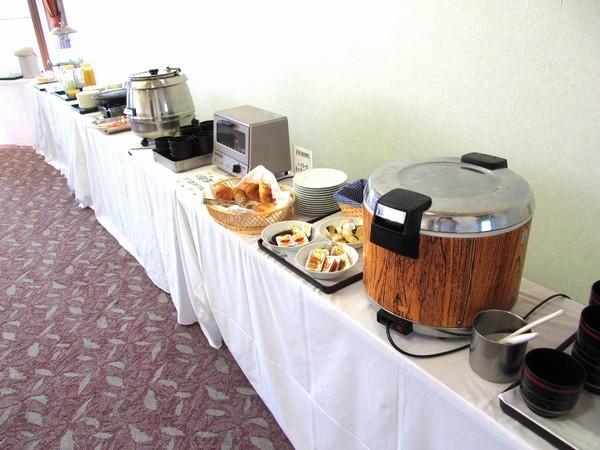 朝食フリーコーナー