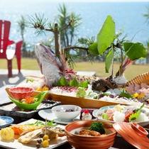 【夕食会席】近海の海の幸をメインに、その時期の旬の素材を使った会席です:例
