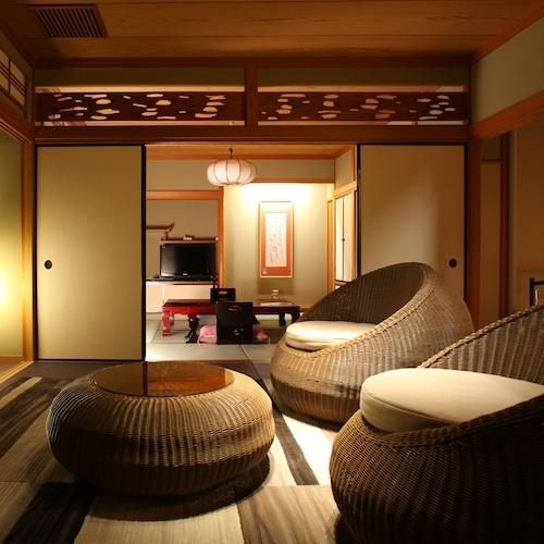 【ななかまど&らいらっく】和を基調としたスタイリッシュなリンビング、水盤の中庭を望む落ち着きの和室。