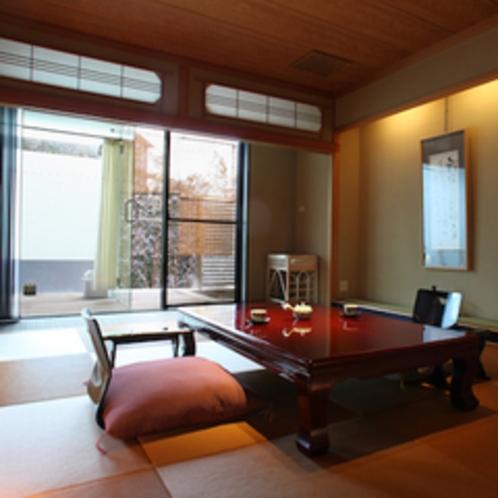 【ざぜんそう】箱根の光を感じながら楽しめる露天風呂と内風呂を備えるスイート。