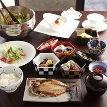 朝食全景(鯵)