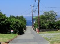 海までの道