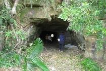 トンネルの向こうに、