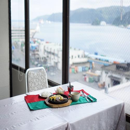 絶景!!最上階展望レストランで食べる朝食と夜景を見ながらのおしゃれに夕食