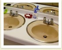 浴室、トイレ、洗面所、洗濯機は共同となっております。