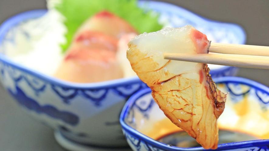 <夕食・お造り>新鮮な刺身のお造りをご用意いております。