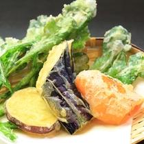 <夕食・季節野菜の天ぷら>