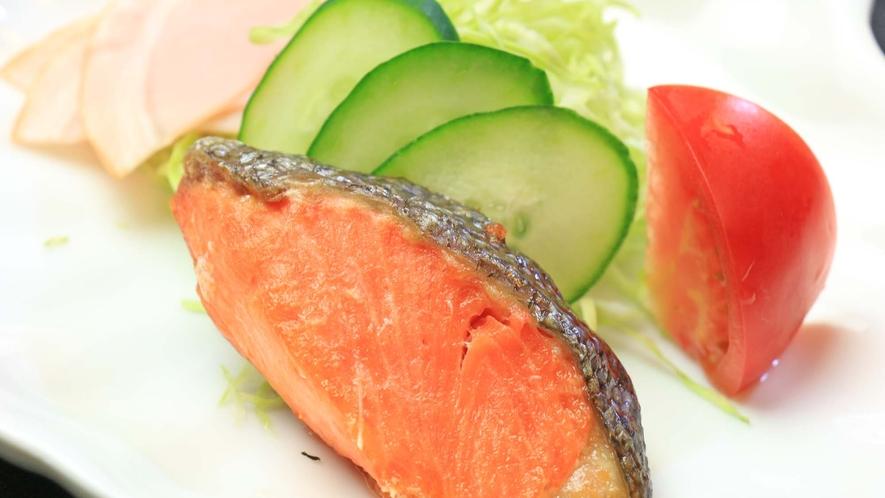 <朝食・焼き魚>健康的な和定食で朝の活力になること間違いなし!