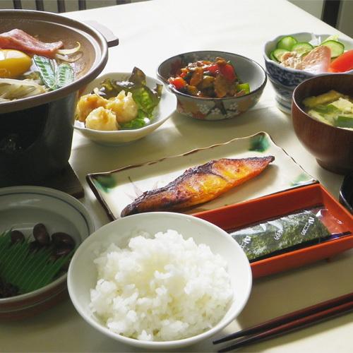 *【ご朝食一例】