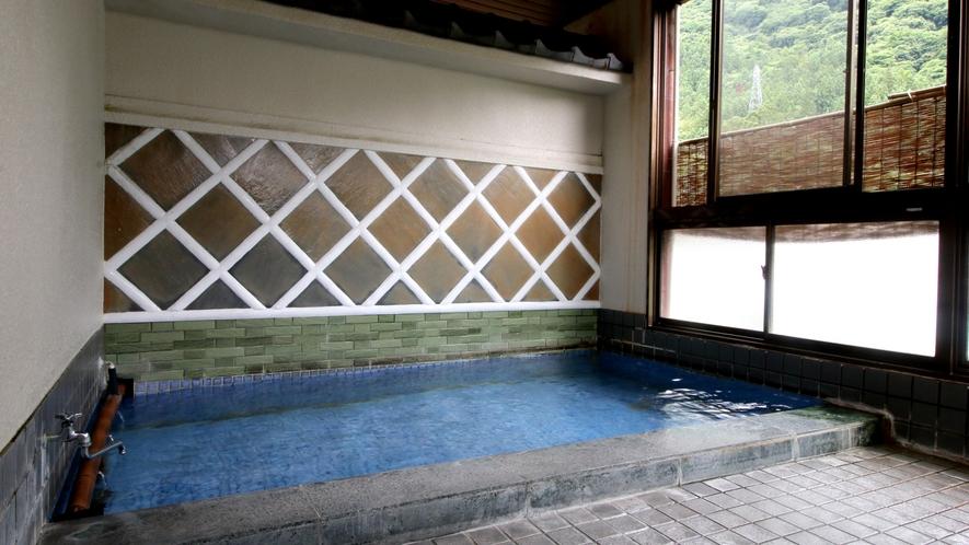 【内湯】土蔵造りを活かし「なまこ壁」をデザインに取り入れたなまこの湯