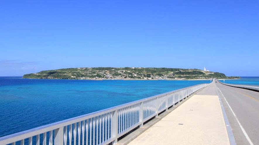 ・橋から眺める古宇利島