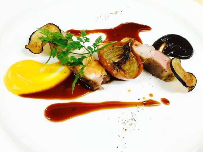 鎌田シェフが紡ぎ出す鮮やかなフランス料理数々